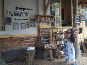 perpuskagetcafe_1