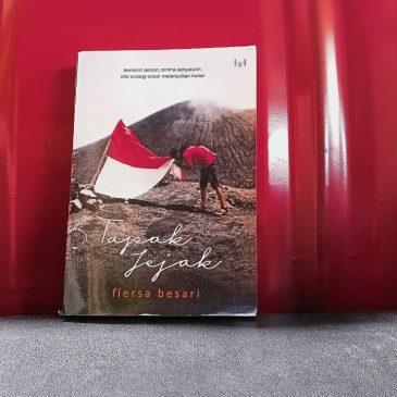[Review Buku] Fiersa Besari: Tapak Jejak, Menikmati Patah Hati menjadi Royalti